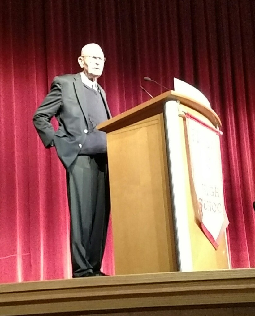 Congressman Lee Hamilton speaks to students at Fishes High School
